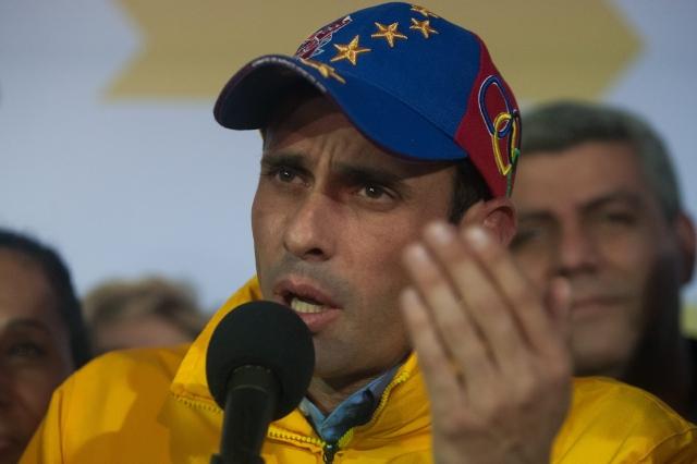 Capriles exige que Chávez 'aparezca'