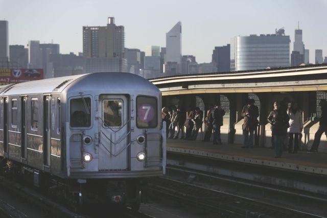 Mujer que lanzó hindú al tren dice que estaba pasando un mal día