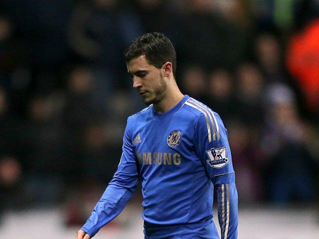 Jugador del Chelsea patea a recoge-balones (Video y fotos)