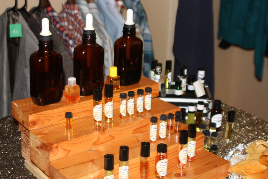 Puertorriqueña crea perfumes de tamal, coquito y lechón