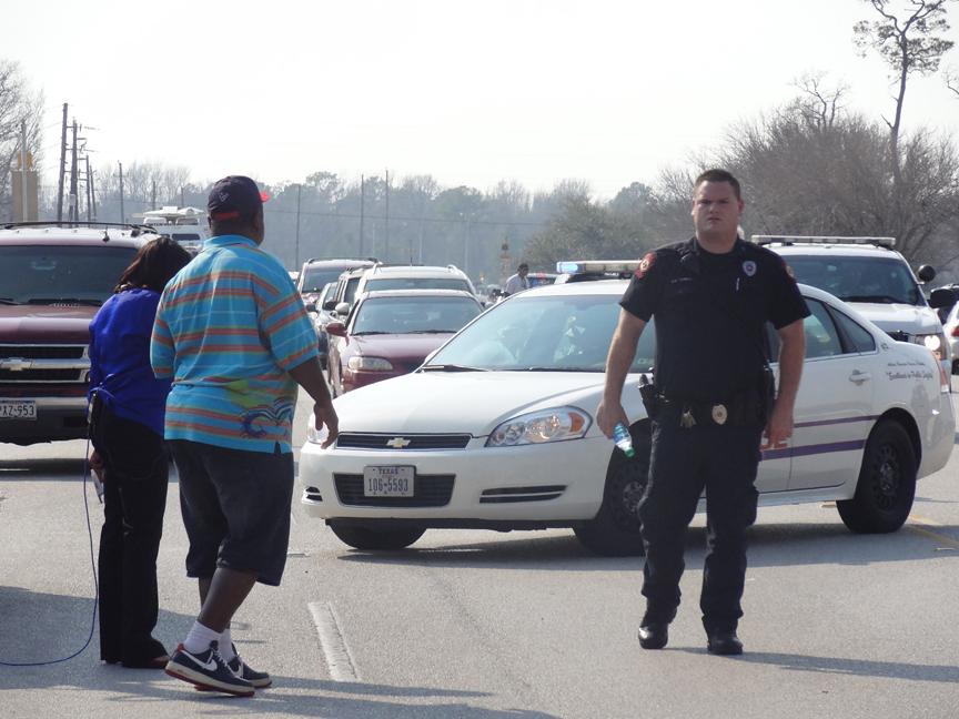 Reanudan las clases en campus de Houston tras tiroteo