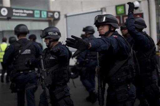 Policías mexicanos renuncian; rechazan controles de confianza