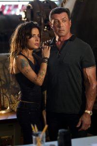 Sarah Shahi  de cara a Stallone en 'Bullet in the Head'