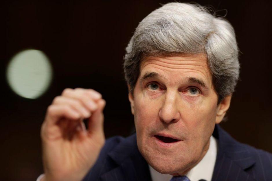 Juramenta John Kerry como secretario de Estado