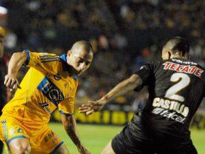 Tigres y Xolos siguen invictos; empatan 2-2