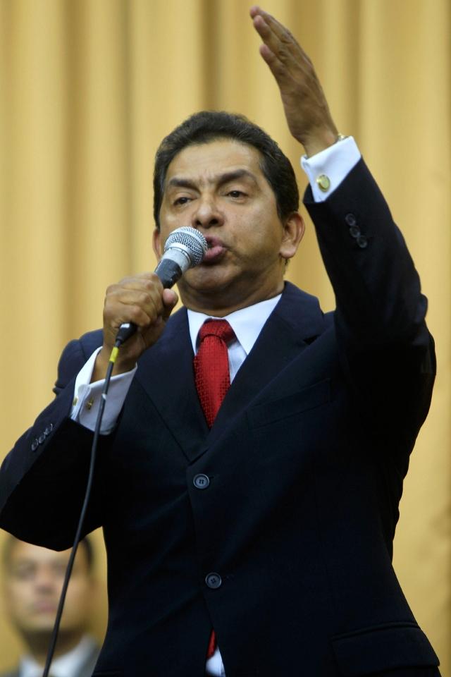 Ecuatorianos entran en reflexión electoral