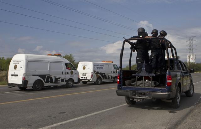 Rescatan a 100 centroamericanos de un camión frigorífico en México