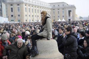 El Papa atrae a  multitud