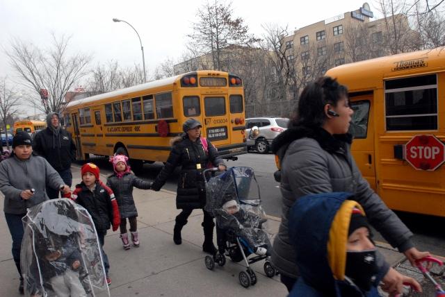 Buses escolares ruedan de nuevo el miércoles en NYC