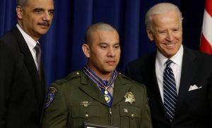 Rafael Rivera y su Medalla al Valor