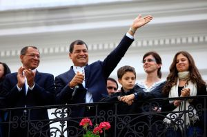 Correa y Chávez, como hermanos gemelos