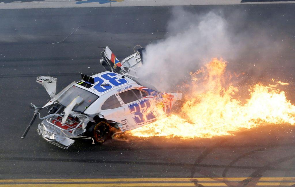 Daytona sigue su marcha tras accidente (video)