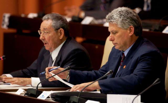 Raúl Castro apunta a Díaz-Canel como sucesor