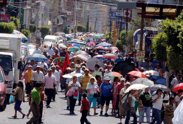 Maestros protestan en México contra reforma educativa (Fotos)