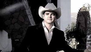 José Julián vuelve a la escena musical (Video)