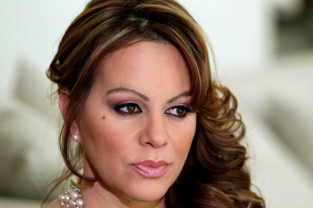 Angélica Vale no interpretará a Jenni Rivera