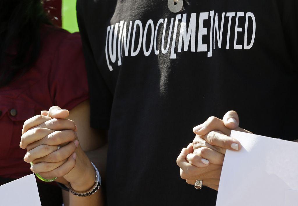 Ciudad de Miami pide legalizar a indocumentados