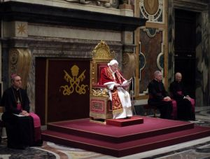 Papa demandado por pederastia el día que se retira
