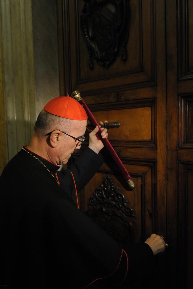 Iglesia Católica, entre el poder y la fe