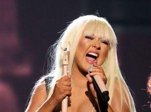 Las famosas que le cantan al maltrato (fotos y videos)