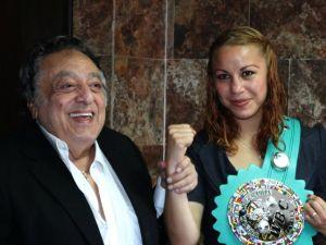 Zulina Muñoz vence por decisión unánime a Tenkai Tsunami