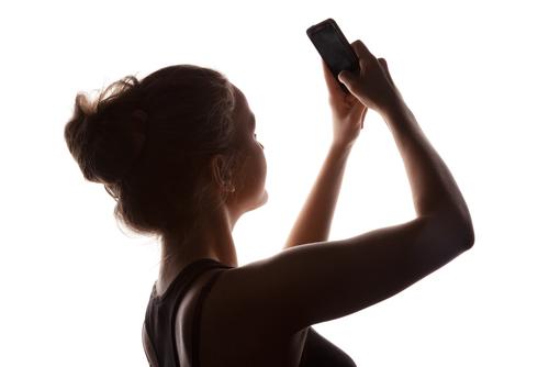 """Uno de cada 5 jóvenes mexicanos practica el """"sexting"""""""