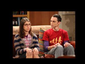 "Genio de ""The Big Bang Theory"" inspira a hispanas (video)"