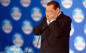 Hospitalizan a Berlusconi; juez mantiene audiencia