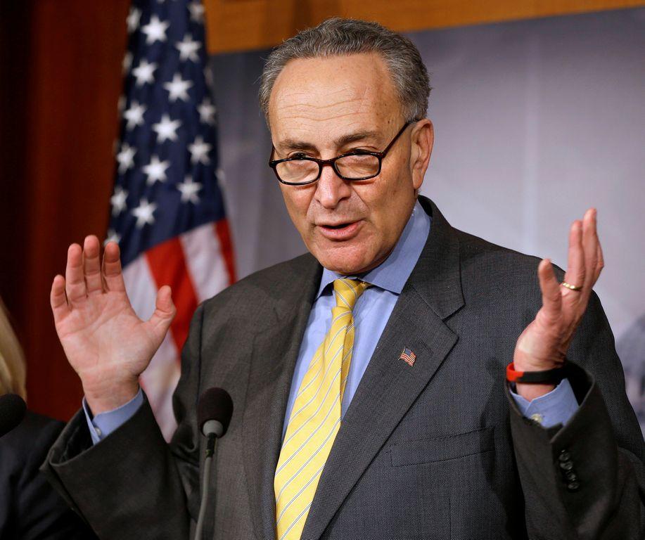"""""""Dreamers"""" de NY critican a Schumer por la reforma"""