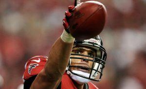 Tony González seguirá un año más con Atlanta (Video)