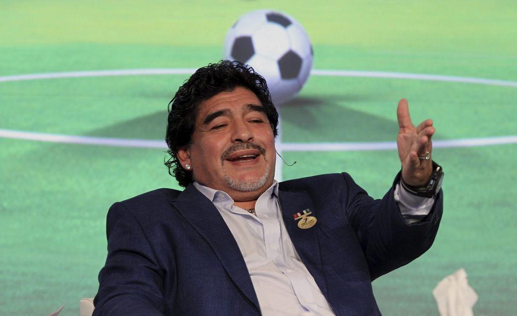 """Maradona festeja que """"Dios del fútbol"""" y el Papa son argentinos"""