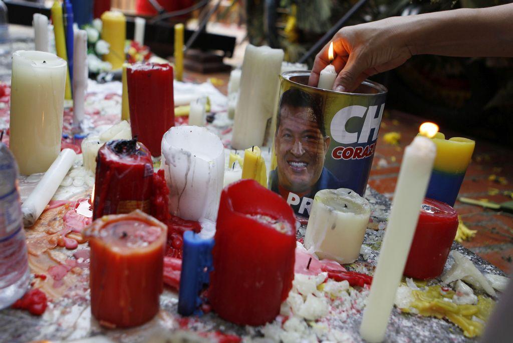 ¿Será Hugo Chávez el primer santo venezolano? (Videos)