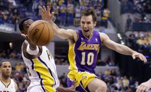 Los Lakers ganan sin Kobe Bryant y de visita