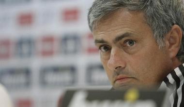 """Mourinho """"espía"""" a su futuro rival en la Champions"""