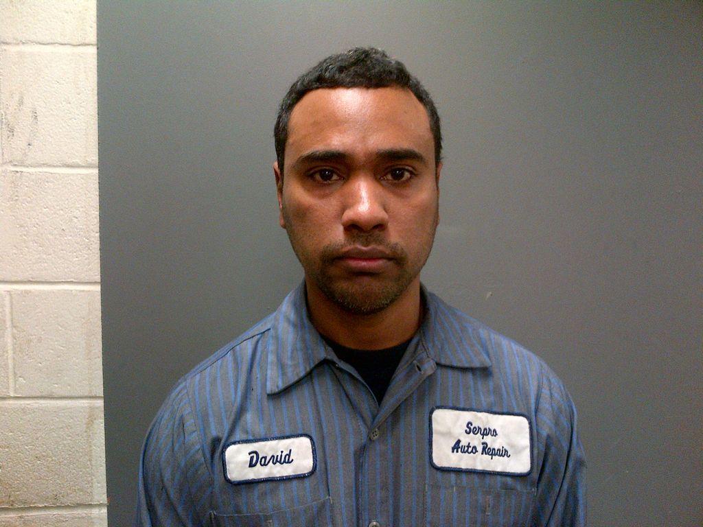 Arrestados por fraude inspectores de autos de NYC (fotos)