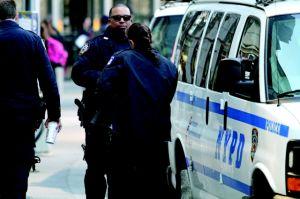 Policías hispanos quieren a un comisionado latino