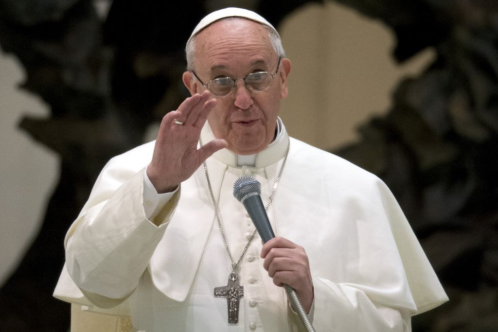 Papa se reúne mañana con Benedicto XVI por primera vez