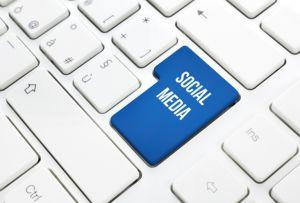 Clérigo saudí  ataca a usuarios de Twitter