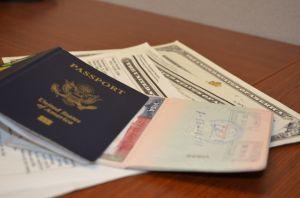 Supuesto asistente legal en Nueva York estafa $30,000 a inmigrantes con falsas solicitudes de asilo