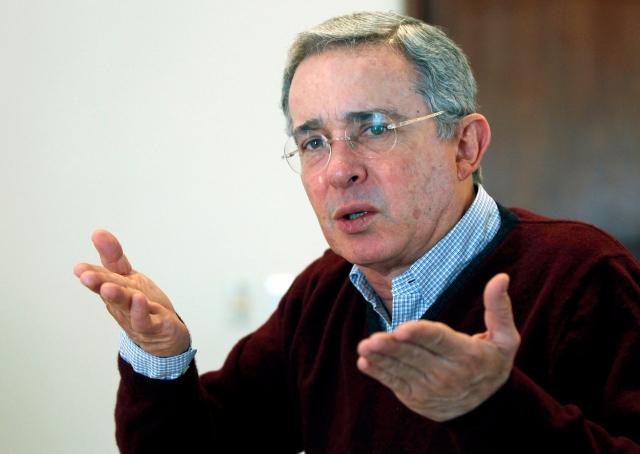 Victoria para Uribe en corte