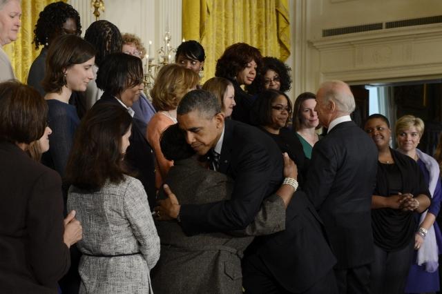 Obama insiste en control de armas