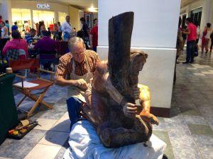 Artesano boricua talla el dolor de Cristo por orden divina