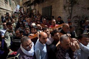 Vía Crucis de puñetazos y empujones en Jerusalén (fotos)