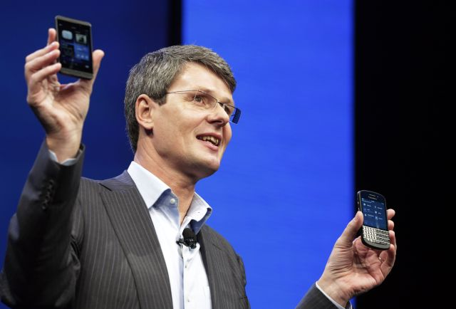 BlackBerry pierde $628 millones en el 2012 (fotos)