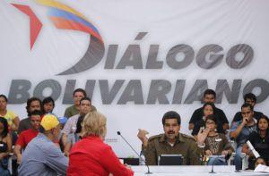 Canal estatal venezolano corta a Maduro y pone a Capriles