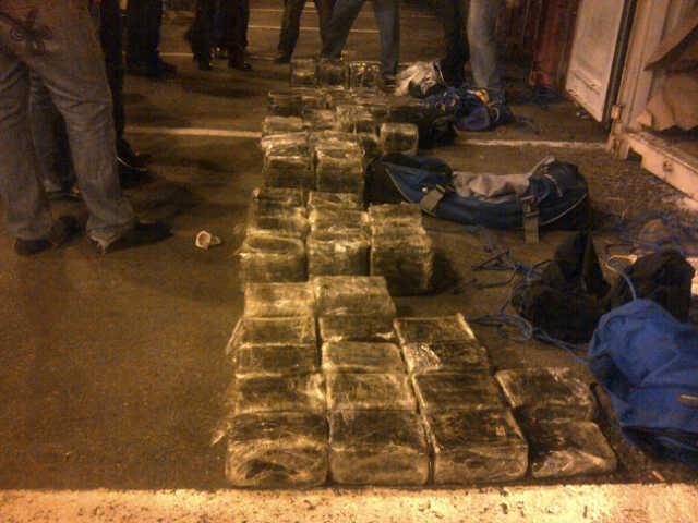 Paquetes de cocaína decomisados por agentes de la Dirección Nacional de Control de Drogas y que iban para Italia, según las autoridades.