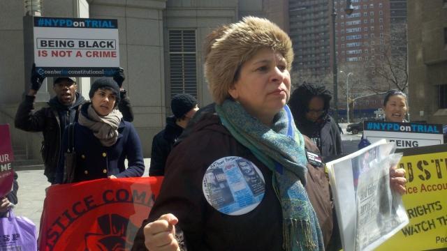 """Padres de afectados por """"stop and frisk"""" critican al NYPD"""