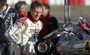 Tras segundo retiro de F1, Schumacher vuelve al karting (Video)