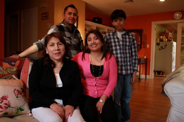 Hispanos de NY ponen fin a redadas ilegales del ICE