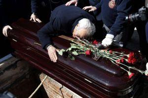 Cientos dan último adiós a Sara Montiel (fotos)